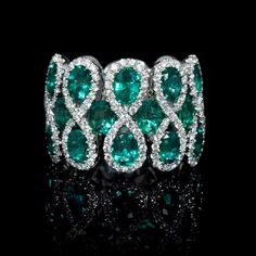 Gift Shop Spotlight: Diamond and Emerald 18k White Gold Ring Firenze Jewels Style #7032 #holidaygiftguide #diamondrings
