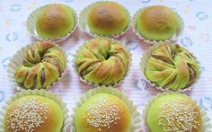 I finally made these green tea buns this morning. I bought a small bottle of green tea powder from Phoon Huat some time ago, without knowing...