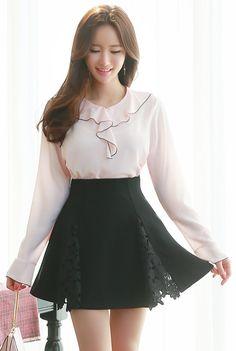 StyleOnme_Floral Lace Detail Flared Skort #black #lace #feminine #girly #elegant #koreanfashion #seoul #kstyle #kfashion #floral #flared #cute #skirt