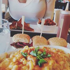 #macncheese and mini #burger @lgrosluxe :)- by marieclaudebourbonnais
