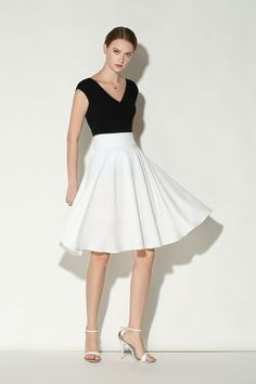 €21.24 White Solid Color Flare Skirt