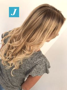 Impossibile imitare il Degradé Joelle. #cdj #degradejoelle #tagliopuntearia #degradé #igers #musthave #hair #hairstyle #haircolour #longhair #ootd #hairfashion #madeinitaly #wellastudionyc