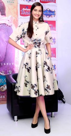 Sonam Kapoor at the screening of Khoobsurat for Make A Wish Foundation charity organisation. (How To Make Dress Modest)