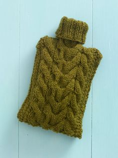 DIY Hot Water Bottle Cozy: I could use one of these right now!