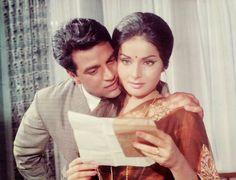 Dharmendra and Raakhee Gulzar