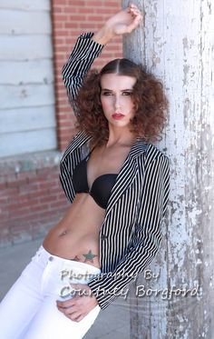The model is stunning and I just love the jacket! Fashion Images, Just Love, Fashion Photography, Passion, Crop Tops, Model, Jackets, Beautiful, Down Jackets