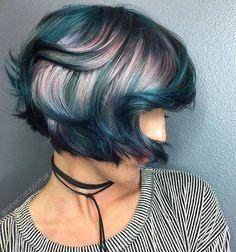 Another of my favorite pick, merci @rebeccataylor La coloration comme vous l'avez jamais imagimé www.lecoloriste.com #bluehair #hair #coloration #haircolor #uniprix #jeancoutu #cheveux #beauty #femme #fille #girl #beautiful #hairdresser #professionnal #retail