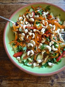 the preppy paleo: Paleo Cashew Thai Salad