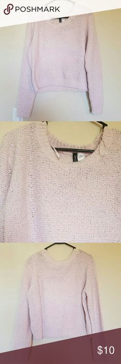 H&M Baby Pink Knit Sweater Gently used baby pink swoop neck knit patterned sweater/shirt. Very comfortable and not itchy. H&M Sweaters Crew & Scoop Necks