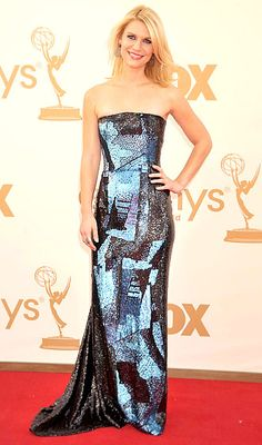 Claire Danes flaunts her strapless Oscar de la Renta dress, Barbara Bui shoes and Irit Design jewels at the 2011 Emmy Awards