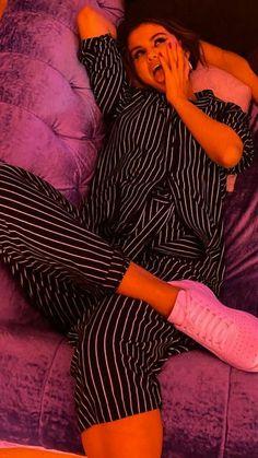 Style Selena Gomez, Selena Gomez The Weeknd, Selena Gomez Photoshoot, Selena Gomez Cute, Selena Gomez Daily, Selena Gomez Fotos, Selena Gomez Fashion, Selena Gomez Pictures, Rihanna