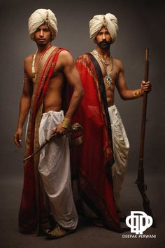 Le Decor Que J'adore — Dhoti and turban, Indian traditional men's style. Indian Men Fashion, Mens Fashion, Beautiful Men, Beautiful People, La Bayadere, Indian Man, Indian Style, Halloween Disfraces, Indian Outfits