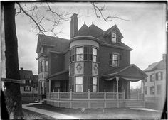 A home on Southern Boulevard in the 1870s