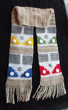 V camper crochet scarf by yasasii123 on Etsy, $25.00