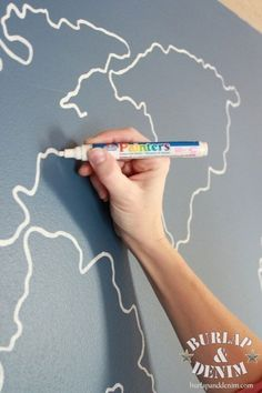 World map outline painting project tutorial: I want to draw it on peel chalkboard to put up in play room. Kids can color and learn!