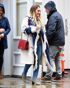 Hilary Duff looks chic in blue and white blanket coat despite rain New York Neighborhoods, Fringe Coats, Blanket Coat, Vintage Hipster, Looks Chic, Hilary Duff, The Duff, Boho Fashion, What To Wear