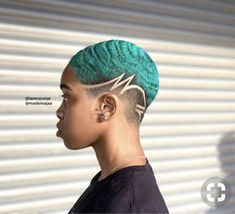 Recommendations with regard to awesome looking women's hair. Your hair is exactly what can easily define you as a man or woman. To many people it is certainly vital to have a decent hairstyle. Natural Hair Short Cuts, Short Hair Cuts, Natural Hair Styles, Short Hair Designs, Shaved Hair Designs, Waves Haircut, Decent Hairstyle, Tapered Hair, Haircut Designs
