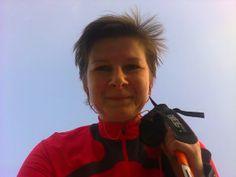 """Śledzimy historię Zofii Holszańskiej, ponieważ pokazuje ona swoim przykładem, że w chorobie od nas zależy, czy będziemy o krok przed nią, znając jej ograniczenia i wykorzystując dla realizacji własnych marzeń to, co jest w naszym zasięgu. Jesteśmy """"o krok przed astmą"""" kiedy uprawiamy sport na miarę naszych możliwości. http://marszempooddech.blogspot.com/ #astma #alergia #sport #nordicwalking"""