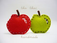 Broches manzanitas by TIKO TIKOI, via Flickr