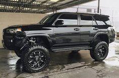 いいね!4,103件、コメント135件 ― Everything Toyota'sさん(@everythingtoyotas)のInstagramアカウント: 「Owner: @mandeemichele  ___________________________ #toyota #tundra #4runner #tacoma #lifted…」