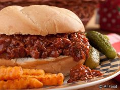 Pulled Pork Sandwiches - Break out your pressure cooker for this easy dinner recipe for pulled pork sandwiches. Serve some up this summer and enjoy with a picnic outside!