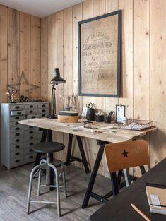 Un mur en bois chez soi pour créer une ambiance singulière Diy Pallet Furniture, Rustic Furniture, Interior Design Living Room, Living Room Decor, Pallet Projects Diy Garden, Pallet Ideas, Ikea, Pallet House, Painting Kitchen Cabinets