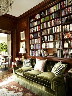 Love the green velvet couch. Library with dark wood and a plush, green velvet couch - Miles Redd Deco Design, Design Case, Home Library Design, House Design, Green Velvet Sofa, Green Sofa, Library Room, Cozy Library, Dream Library