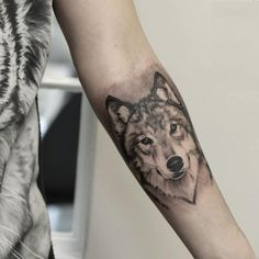 black & gray wolf tattoo © Anders Grucz