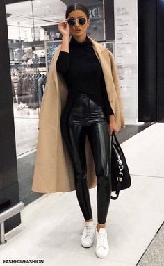 Ideas for style femme classe hiver Street Style Fashion Week, Look Fashion, Trendy Fashion, Classy Fashion, Fall Fashion, Unique Fashion, Feminine Fashion, Tokyo Fashion, Fashion Black