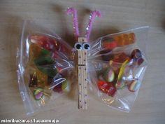 Motýlci plní sladkostí o nejen do školky Diy And Crafts, Christmas Ornaments, Holiday Decor, Christmas Jewelry, Christmas Decorations, Christmas Decor