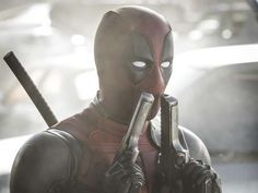 "Anti-Held ""Deadpool"" (Ryan Reynolds), auch ""The Merc with a Mouth"" genannt, hat einen bitterbösen Hu... - 20th Century Fox of Germany"