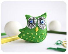 owl pin  felt owl brooch  green owl by moloco on Etsy