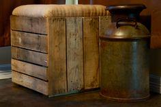 Pallet Stool with Padding Pallet Ottoman, Pallet Stool, Pallet Seating, Pallet Crates, Pallet Art, Pallet Furniture, Old Pallets, Wooden Pallets, Pallet Ideas