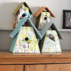 Here I show you how to make these cute fabric birdhouses. They are really simple and cost very little to do.