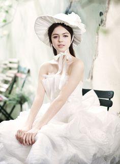 Wedding dress 135