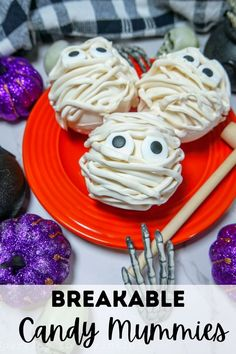 Breakable Candy Mummies are the next big thing this Halloween as they take white melting chocolate that is then molded into a ball that is filled with a candy surprise inside! Perfect for parties, trick or treaters, or family friends. Fall Recipes, Crockpot Recipes, Holiday Recipes, Great Recipes, Spooky Food, Good Food, Yummy Food, Best Instant Pot Recipe, Party Food And Drinks