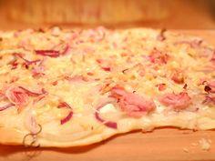 Naan Flatbread, German Kitchen, Hawaiian Pizza, Food Dishes, Good Food, Food And Drink, Healthy Recipes, Snacks, Dinner