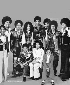 """ ⏮ it's always a big family affair with the Jacksons. The Jackson Five, Jackson Family, Janet Jackson, Jackie Jackson, Big Family, Black Actors, Black Celebrities, Celebs, Michael Jackson Bad Era"