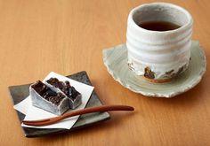 "Nakadaya's ""Kintsuba"" japanese dessert with tea  15 Things You Have To Do In Kanazawa | tsunagu Japan"