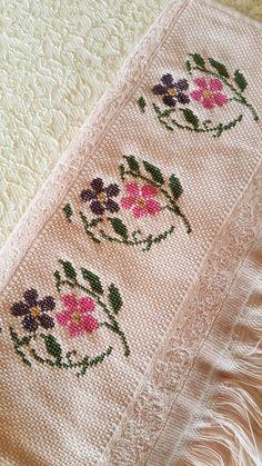 Cross Stitch Rose, Cross Stitch Flowers, Cross Stitch Embroidery, Cross Stitch Patterns, Free To Use Images, Baby Knitting Patterns, Needlepoint, Needlework, Diy And Crafts