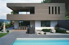 Architektur, Lage, Ausblick, Interior Design - bei diesem modernen Einfamilienhaus kann man sich überhaupt nicht entscheiden, was am besten ist.