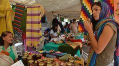 Decenas de productores de Molinos, San Carlos y Cafayate realizaron una gran exposición en la plaza principal del pueblo, bajo las premisas de la economía social y solidaria.