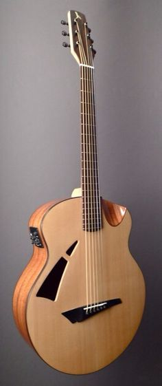 AVIAN Skylark (Mahogany) Mahogany and Sitka Spruce | Dream Guitars