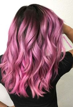 55 Lovely Pink Hair Colors: Tips for Dyeing Hair Pink hair dye colors ideas - Hair Color Ideas Pink Ombre Hair, Pastel Pink Hair, Hair Color Pink, Hair Dye Colors, Cool Hair Color, Dyed Hair Pink, Dark Pink Hair, Rose Pink Hair, Ombre Rose