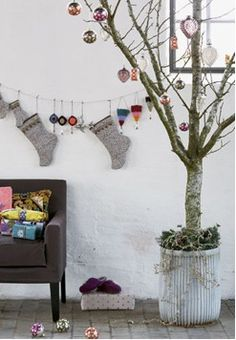1000 images about indoor dead tree ideas on pinterest for Tree branch decorations in the home