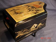 VINTAGE JAPANESE JEWELRY MUSIC BOX LACQUER HAND PAINTED MOTHER OF