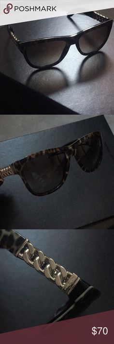NEW Saint Laurent chain tortoise wayfarers ysl NEW no signs of wear. Tortoise shell frame, chain detail, wayfarer styled sunglasses. Looking to downsize my considerable closet. It does not come with the case, I'm using it for another pair of sunglasses (no case is reflected in price). NO TRADES 145 mm across lens size 55mm Yves Saint Laurent Accessories Sunglasses
