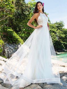 A-line/Princess Plus Sizes Wedding Dress - Ivory Chapel Train High Neck Organza/Lace - USD $ 179.99
