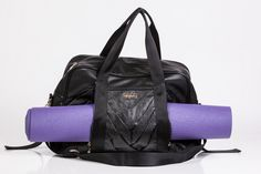 oGorgeous pleated pocket carry all gym bag in black glitter