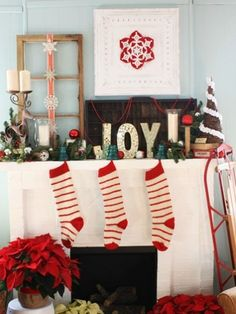 Eclectic Mix #christmasmantels #christmasdecor